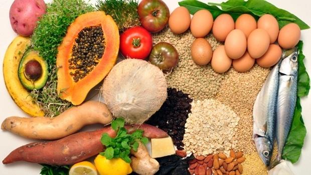 Zdjęcie przedstawia dietę bogatą w witaminy i minerały