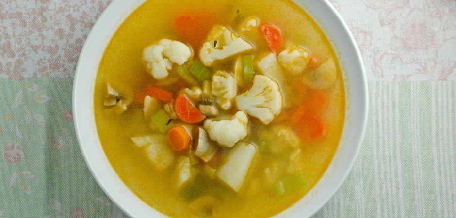 Ilość kalorii w 100 gramach zupy warzywnej - artykuł
