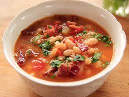 zupa fasolowa - ile kalorii ma porcja