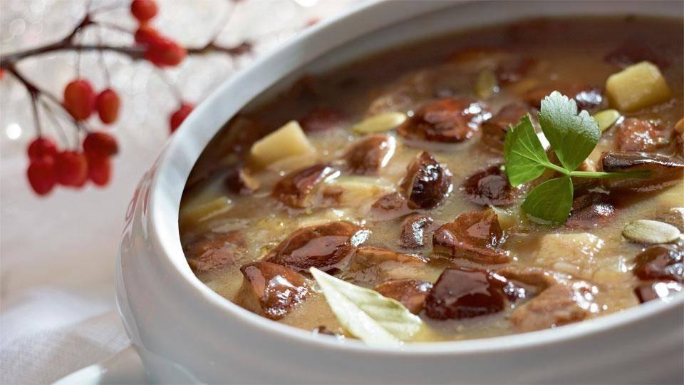Ile kalorii ma zupa grzybowa
