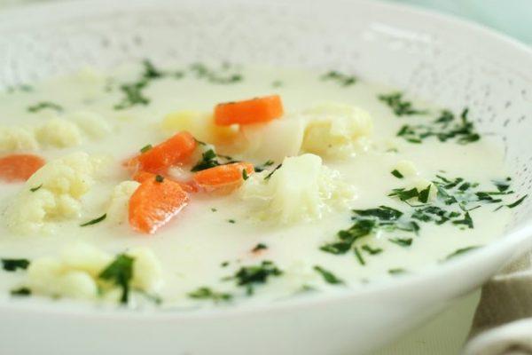 Ile kalorii ma zupa kalafiorowa