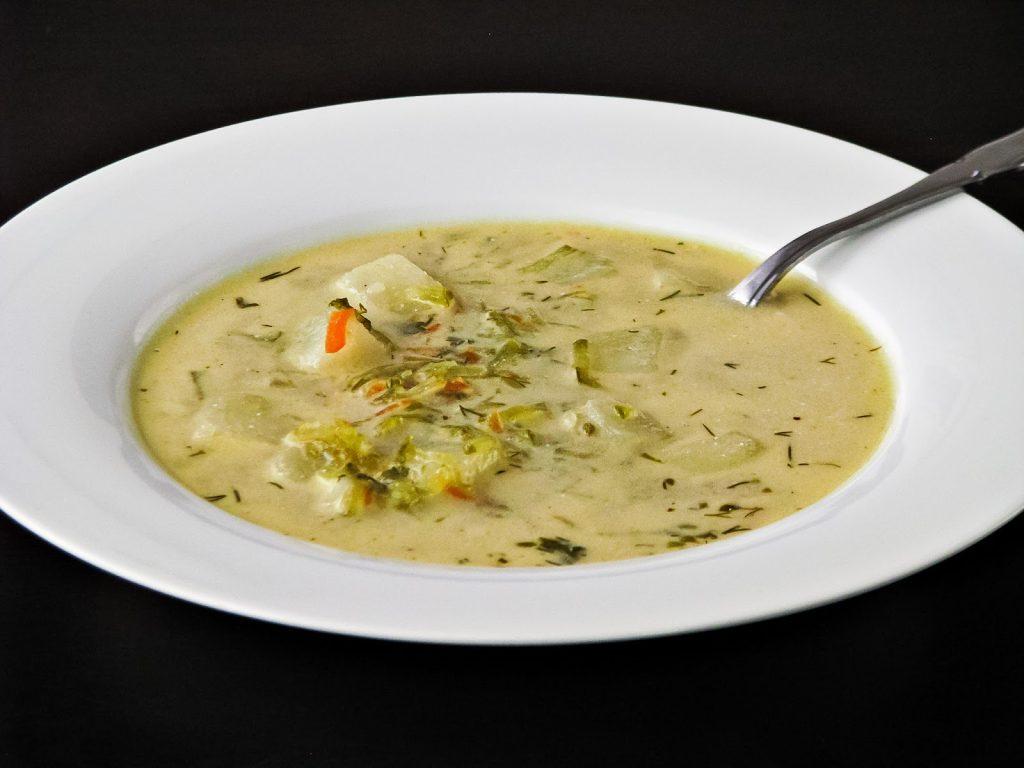 zupa ogórkowa - zdjęcie od artykułu o jej kaloryczności