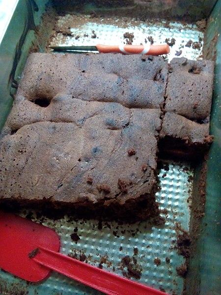 Ile kalorii ma porcja ciasta murzynek?